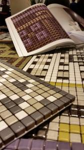 Mini-mosaik i olika färger